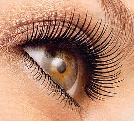using false eye lashes